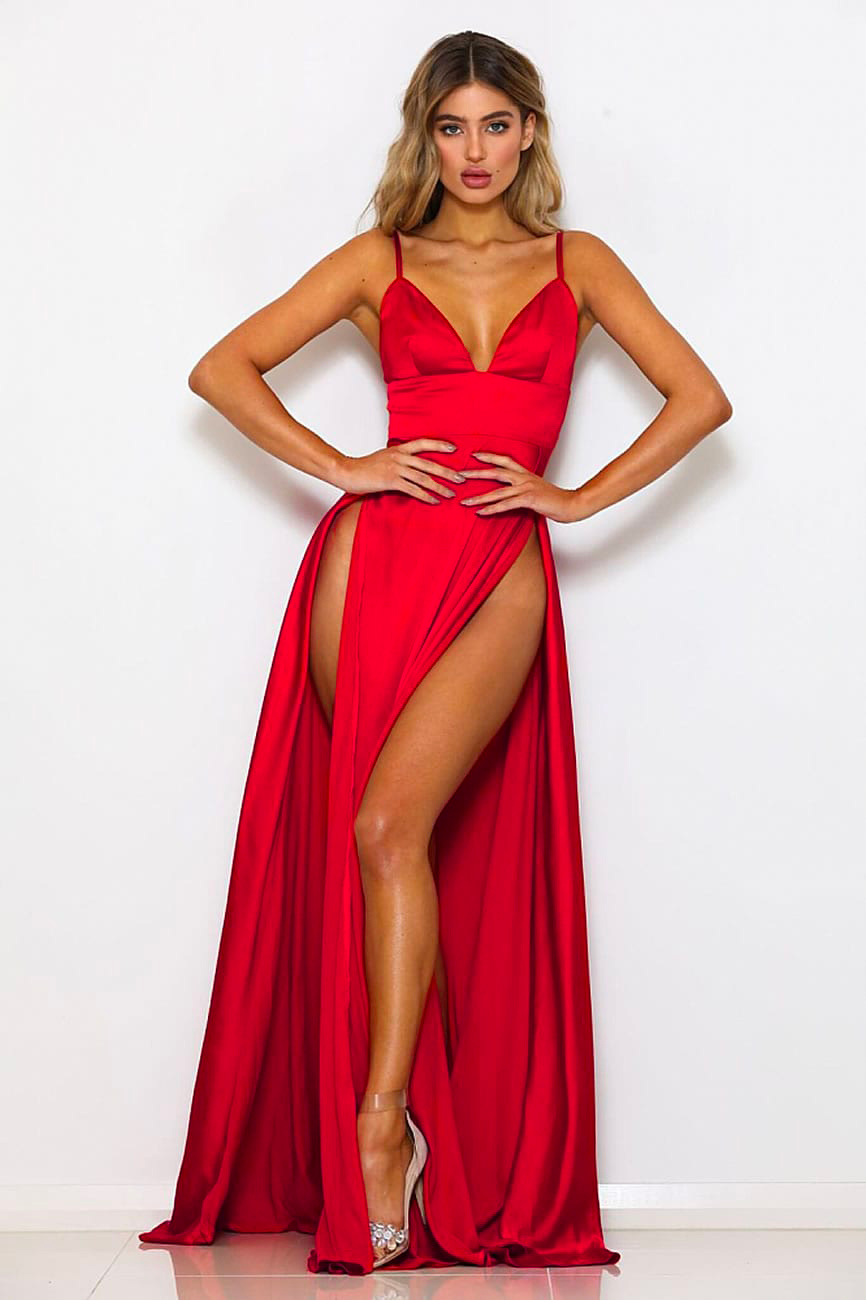IC-Dresses-Queen-Carpet-Red (2)